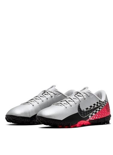Nike Halı Saha Ayakkabısı Gri